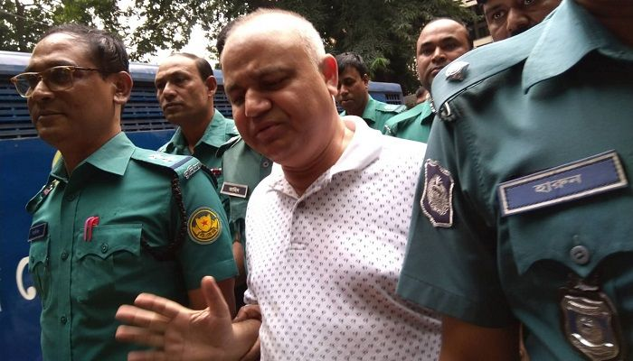 Contractor SM Golam Kibria Shamim is being taken before a Dhaka court in connection with a corruption case on Sunday, October 27, 2019. Photo: Collected