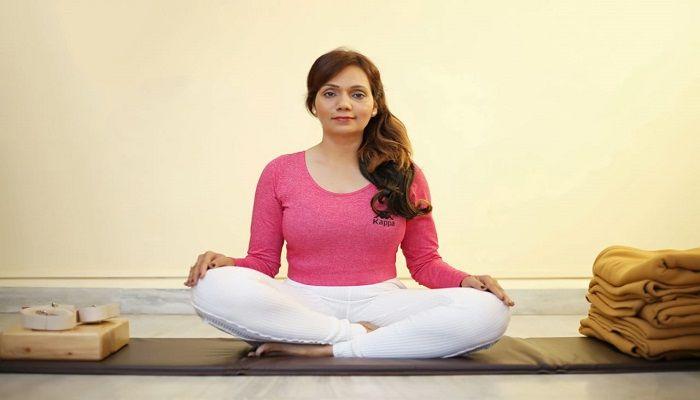 Yoga therapist Shweta Varpe coming to Dhaka