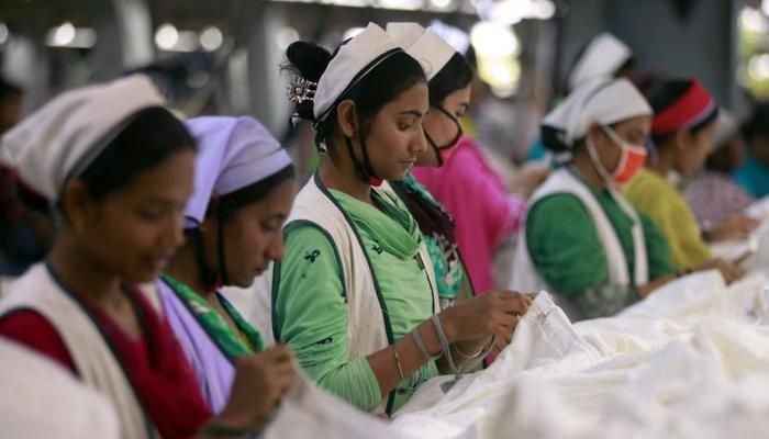 Women work at a garment factory inside the Dhaka Export Processing Zone (DEPZ) in Savar. Photo: Reuters.