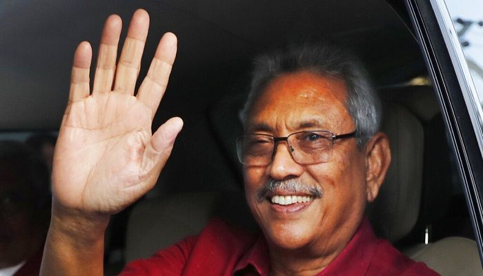 Sri Lanka's president elect Gotabaya Rajapaksa waves to supporters as he leaves the election commission after the announcement of his victory in Colombo, Sri Lanka, Sunday, Nov.17, 2019. Photo: AP