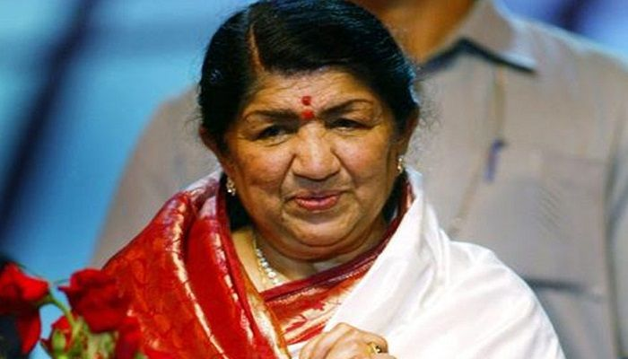 Lata Mangeshkar's condition slowly improving