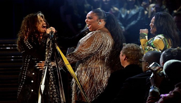 Steven Tyler and Lizzo perform onstage. Photo: Collected from AFP