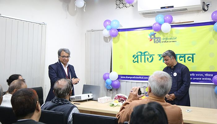 Educationist Salimullah Khan said that the recent Shampratik Deshkal has to play a role in stopping the voluntarism that the Bangla Academy and others are doing with the Bangla spelling.