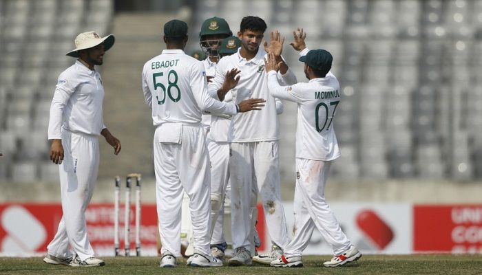 Zim 228/6 at Stumps As Nayeem Scalps 4