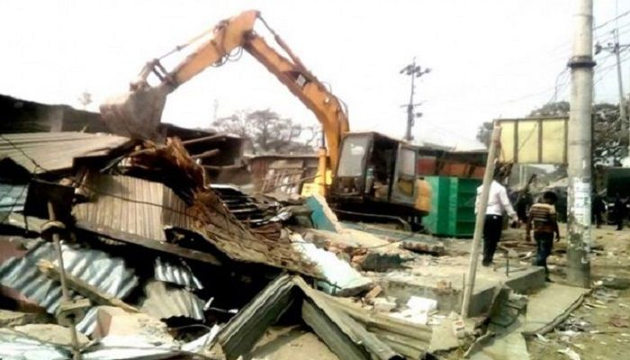 One Dead, 4 Hurt During Railway Eviction