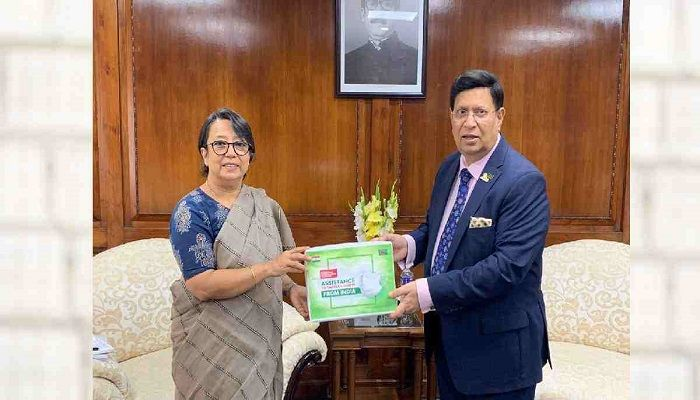 Indian High Commissioner Riva Ganguly Das handed over the assistance to Foreign Minister Dr. AK Abdul Momen. Photo: Collected from UNB