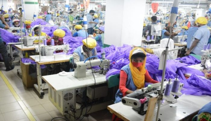 Govt. Orders Ctg Manufacturer to Produce 50,000 Surgical Jackets