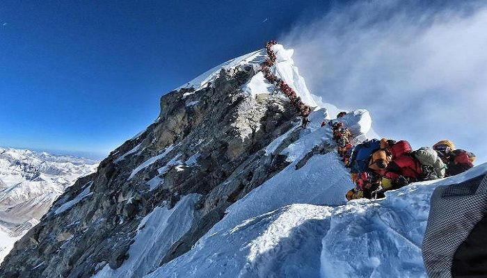 5G Signal Now Available on Top of Mount Everest