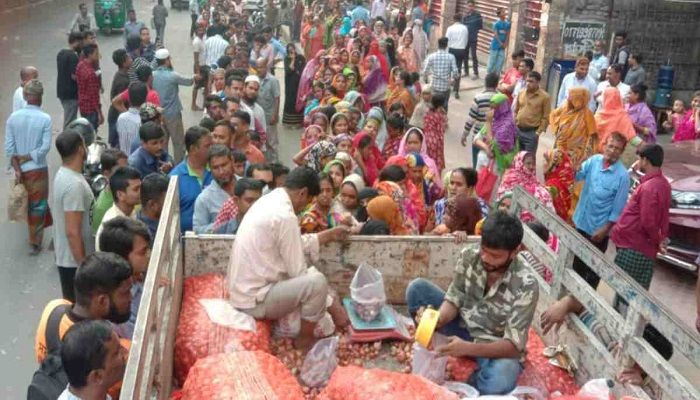 TCB to Sell Onion at Tk 25 Per Kg from Saturday