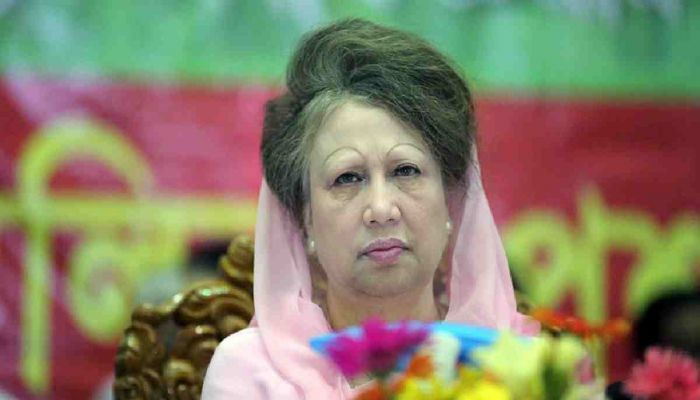 Khaleda Meets Fakhrul, Gets Briefed about BNP Activities