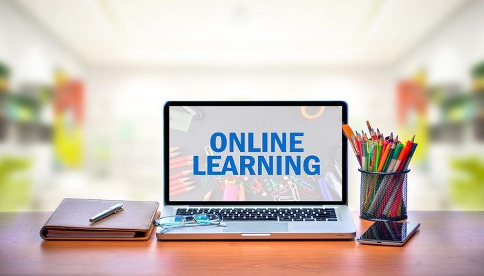 Online Classes Bring Social Divide to the Fore