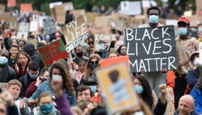 Large Anti-Racism Protests n UK