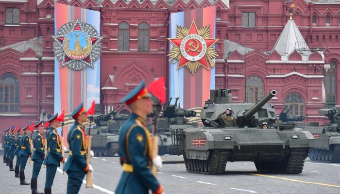 Russia Invites Pentagon Chief to Take Part in Victory Day Parade