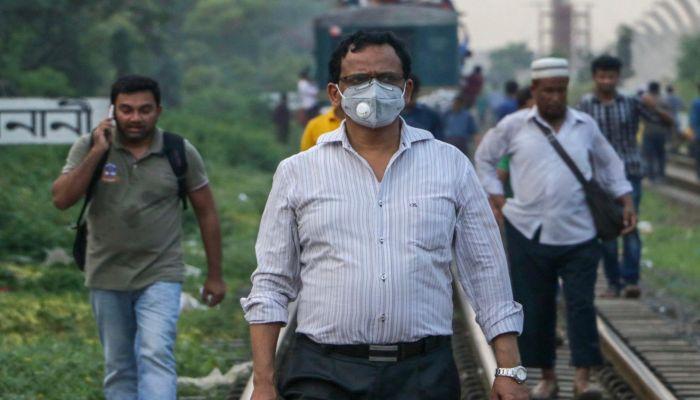 Coronavirus Exposes the Deep Divide in Bangladeshi Society