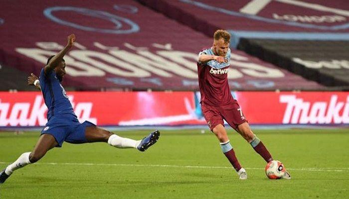 West Ham Stun Chelsea; Arsenal Win 3rd in a Row