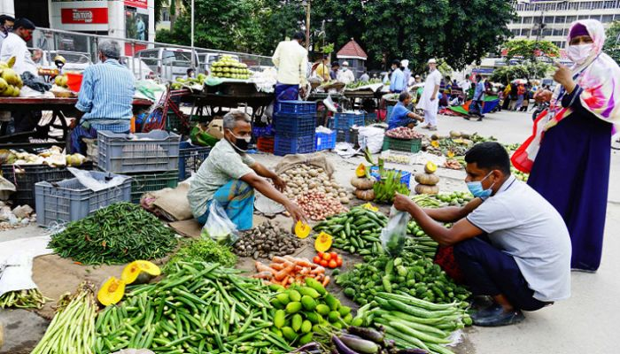 Vegetables Get Even Costlier As fish Prices Drop