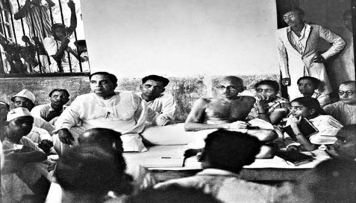 Hossain Shaheed Suhrawardy and young student leader Sheikh Mujibur Rahman joined the meeting with Mohandas Karamchand Gandhi || Photo: BBC Bangla