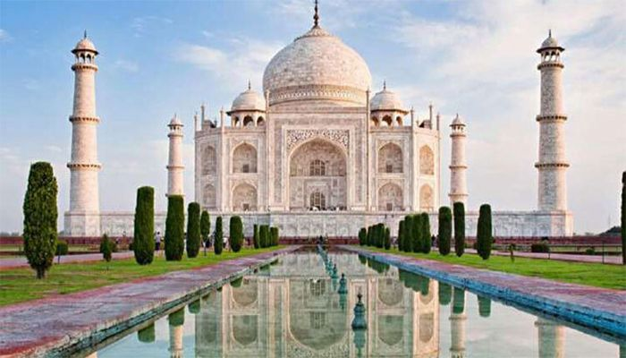 Taj Mahal Re-Opens for Public after 6 Months