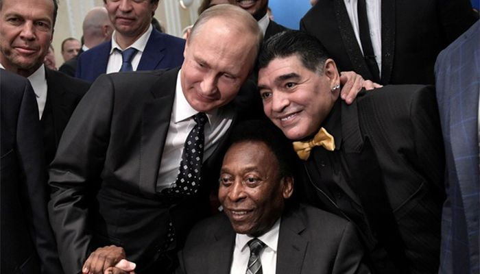 Before the 2018 World Cup draw, the host country, Pele and Maradona, had two football legends with Russian President Vladimir Putin.