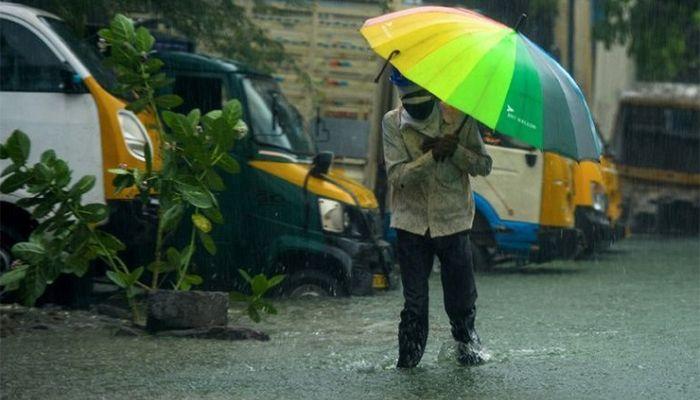 Homes Evacuated As Cyclone Nivar Threatens India
