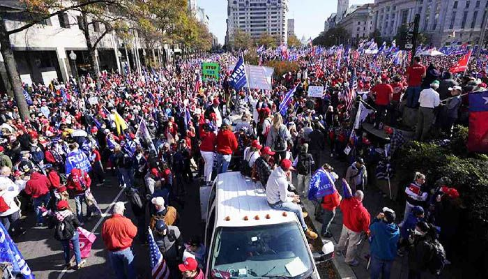 Supporters of President Donald Trump rally at Freedom Plaza on Saturday, Nov. 14, 2020, in Washington. Photo: Collected from AP