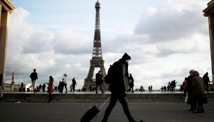Top Adviser Warns France at 'Emergency' Virus Moment