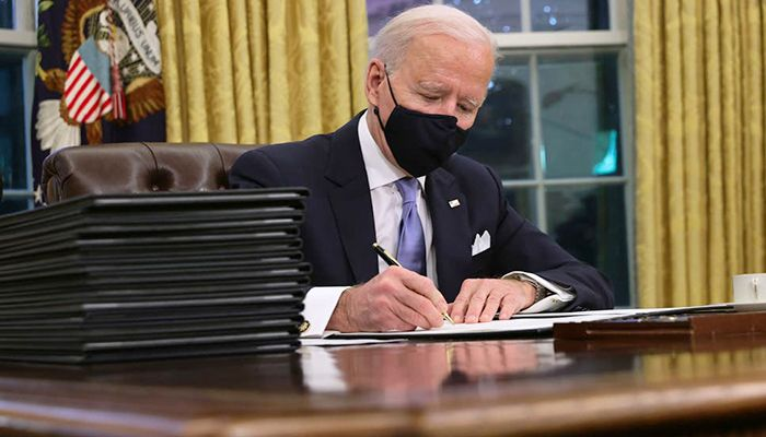 Biden Sets to Work on Reversing Trump Policies