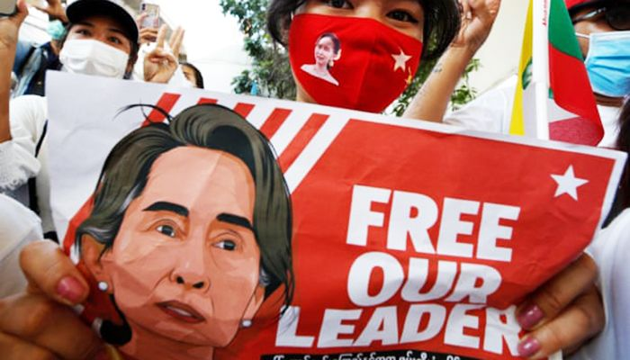 Suu Kyi Faces Four Legal Charges