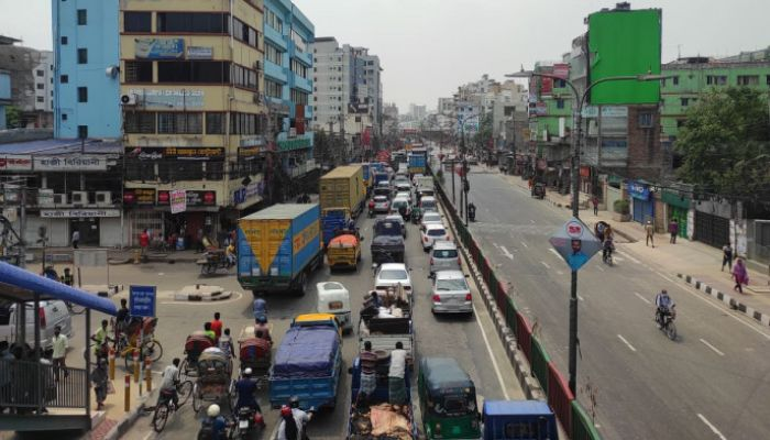 Dhaka Sees Traffic Jam on 2nd Day of Lockdown