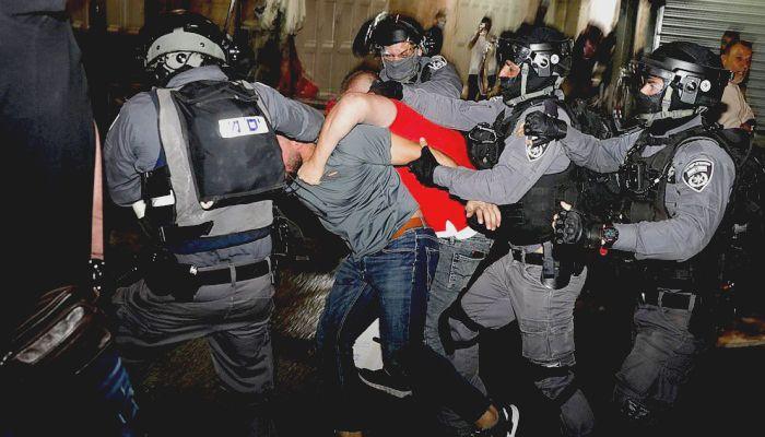 Hundreds of Palestinians Hospitalized in Jerusalem Clashes