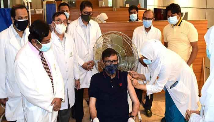 Quader Receives 2nd Dose of Coronavirus Vaccine