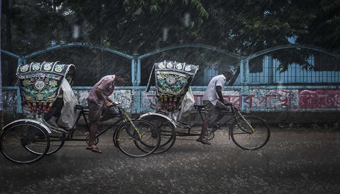 Full Fledge Monsoon Rains Drench Dhaka and The Country's Most Part