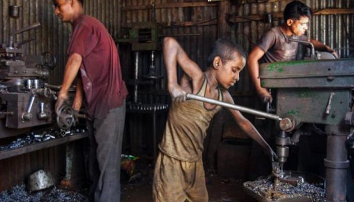In developing countries like Bangladesh, children are mainly employed in informal sectors. || Photo: Collected