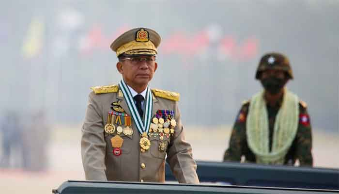 Myanmar's junta chief Senior General Min Aung Hlaing, who ousted the elected government in a coup on February 1, presides an army parade on Armed Forces Day in Naypyitaw, Myanmar, March 27, 2021|| Photo: Reuters