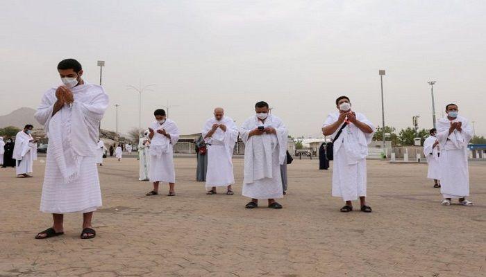 Pilgrims Flock to Mount Arafat in High Point of Pandemic-Era Hajj