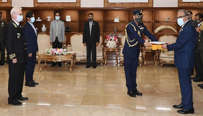 Envoys of Russia, Germany Present Credentials to President