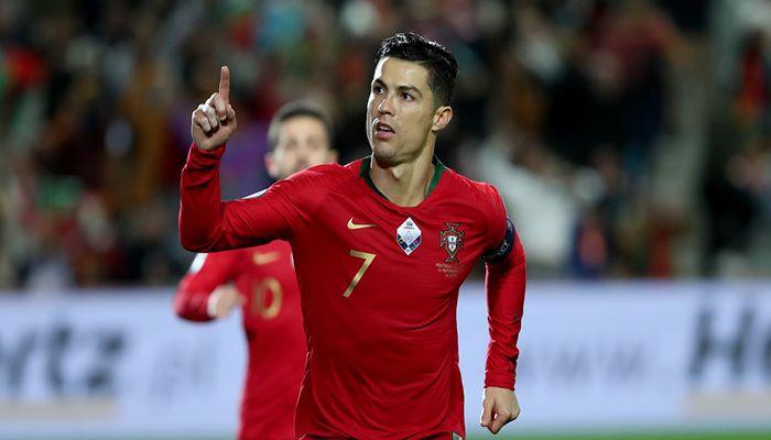 Ronaldo Completes Manchester United Return