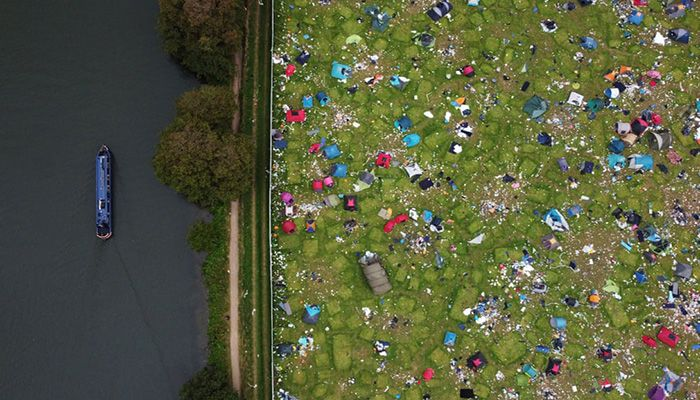 (Reading, England) Abandoned tents at the Reading festival campsite after the event    Photograph: Matthew Childs/Reuters
