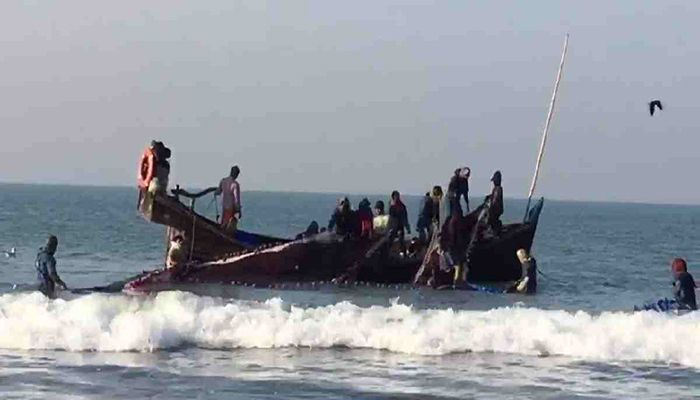 11 Fishers Rescued As Trawler Capsizes in Bay of Bengal