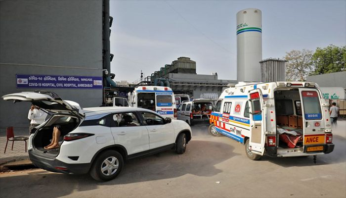 Covid-19: India Logs 42,618 New Cases, 330 Deaths