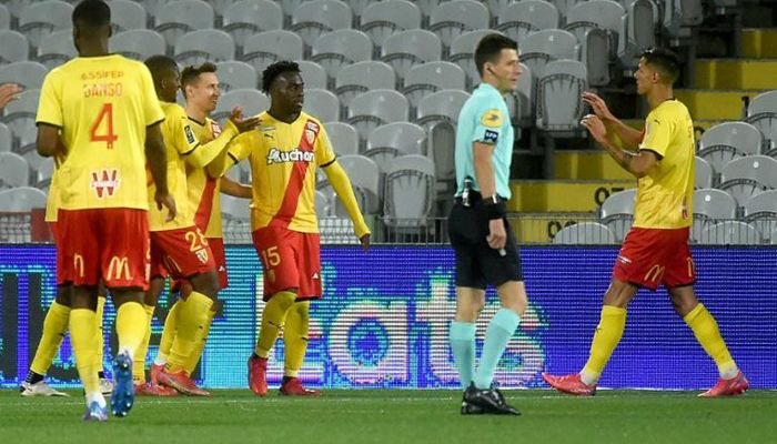 Lens Cut PSG Lead to Six Points in Empty Stadium