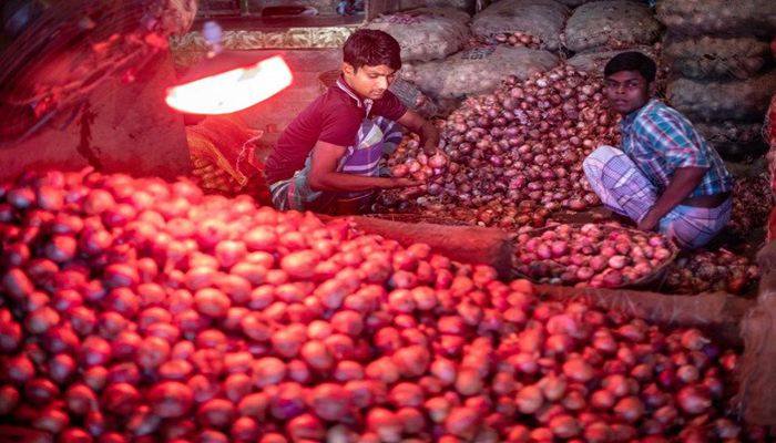 Imposed Duty Hinders on Onion Price Reduction